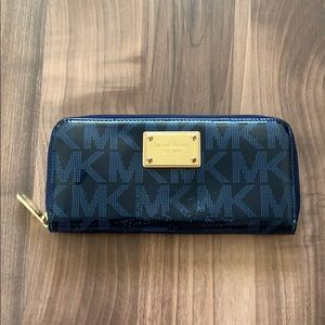 Michael Kors Wallet in navy blue